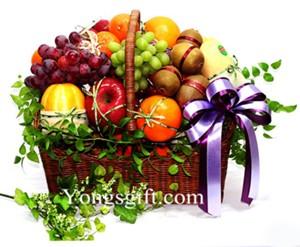 Deluxe Fruit Basket to Japan